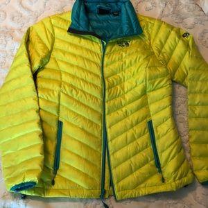 Mountain Hard Wear women's medium ski coat.